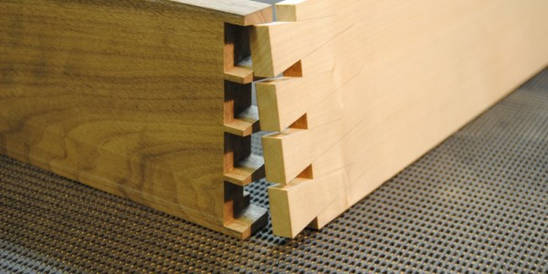 Walnut Sideboard - Cutting Dovetails