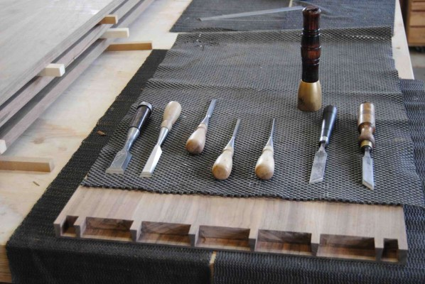 Lap dovetails and the cutting tools for them