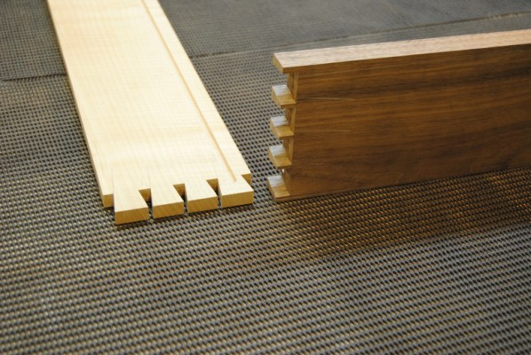 Side and front grooved for drawer bottom