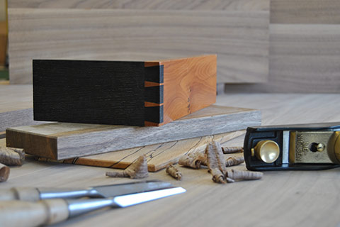 dovetails in contrasting wood